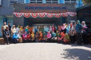 Anggota GOPTKI Kota Kediri yang melakuka kunjungan ke Pre School IIS PSM Magetan