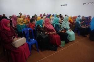 anggota GOPTKI Kota Kediri terlihat antusias mendengarkan materi