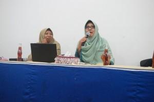 Ibu Dr.Hj Nekky Dwisunu, M.M (Ketua GOPTKI Kota Kediri) menyampaikan tanggapan mengenai pembelajaran di Pre School IIS PSM Magetan