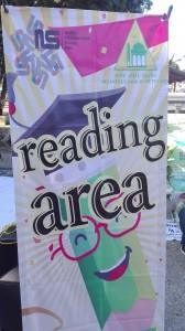 buku-buku bacaan yang telah disiapkan